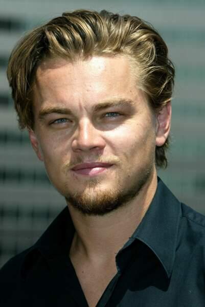 Ouf, en deux ans, notre Leonardo est redevenu le beau gosse que l'on connaît !