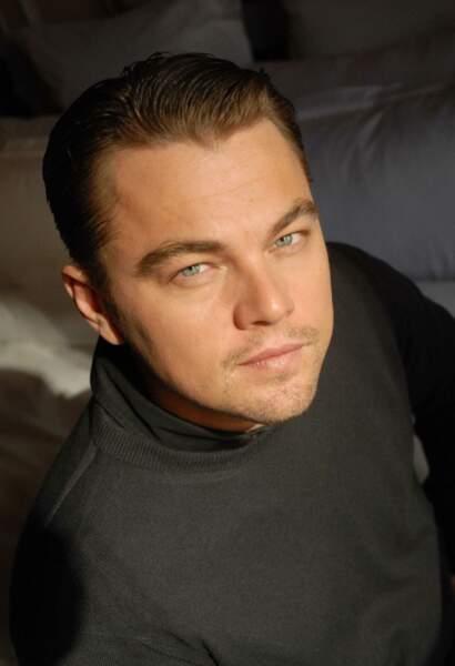 Col roulé et regard perçant : la DiCaprio touch !
