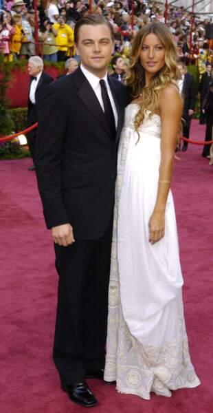Couple glamour lors des Oscars de 2005. Pourtant, quelques mois après, Gisele décide de se séparer de l'acteur prodige
