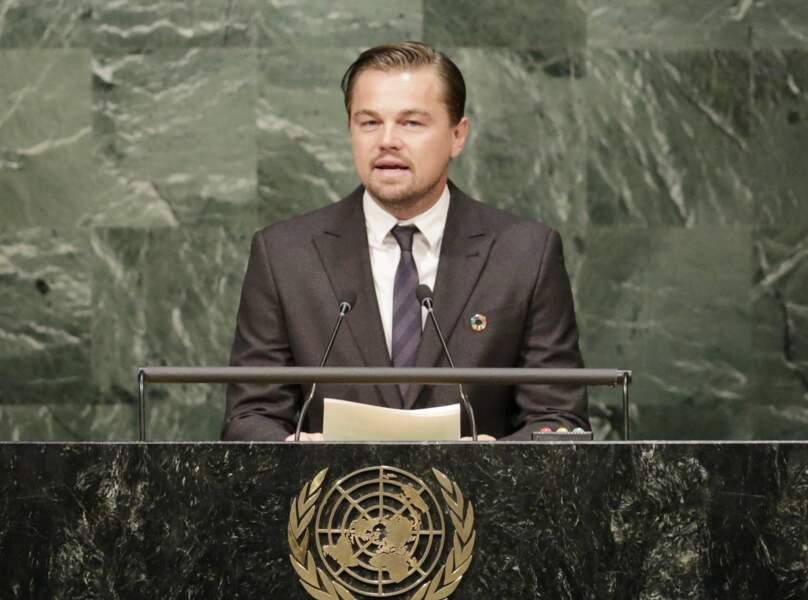 """Mais l'acteur est également un citoyen engagé. Fervent démocrate et défenseur des causes environnementales, celui que l'ONU a nommé """"messager de la paix"""" n'hésite pas à faire entendre sa voix comme ici en 2016"""