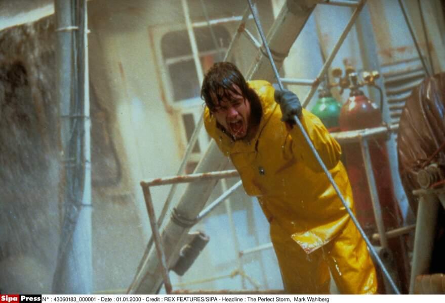 Marin pris dans la tempête dans En pleine tempête (2000)