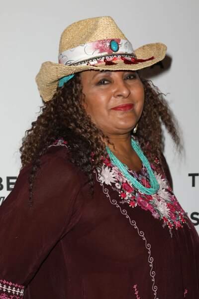 Pam Grier a ensuite joué dans Smallville ou encore récemment la grand-mère de Deja dans This is Us. Elle est actuellement dans la série Bless This Mess