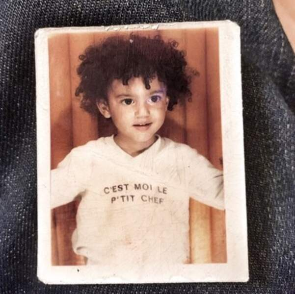 Vous le reconnaissez ? C'est l'humoriste Tony Saint Laurent.