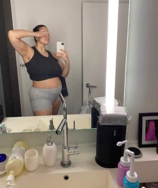 La mannequin Ashley Graham a dévoilé son corps post-grossesse, trois semaines après la naissance de son fils.