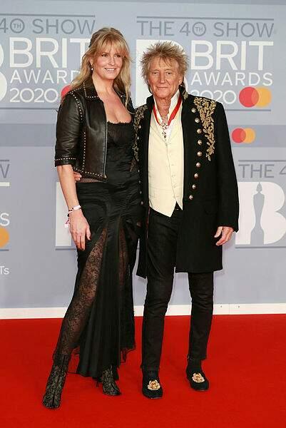 Tout comme Sir Rod Stewart, en compagnie de sa femme Penny Lancaster.