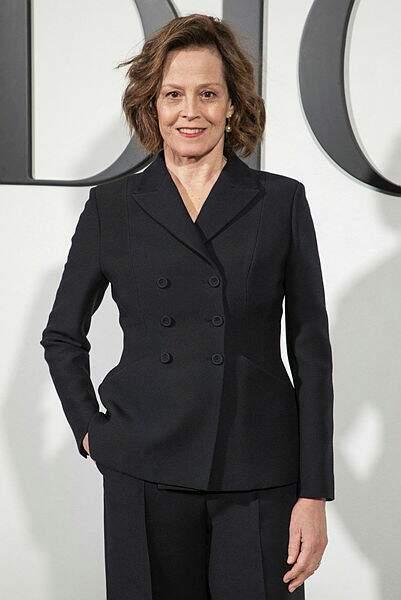 Madame Sigourney Weaver chez Dior.