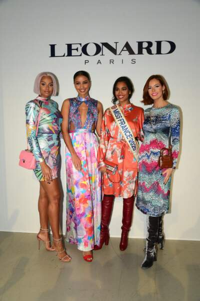Alicia Aylies, Flora Coquerel, Clémence Botino (Miss France 2020), Maëva Coucke posent ensemble au défilé Leonard pendant la Fashion Week le 27 février 2020