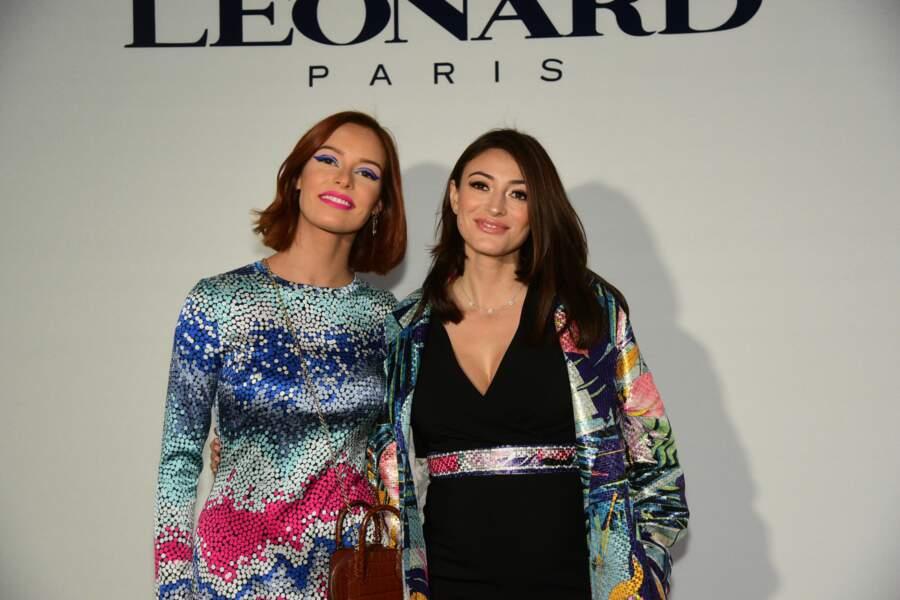 Maëva Coucke et Rachel Legrain-Trapani posent ensemble lors du défilé Leonard à Paris