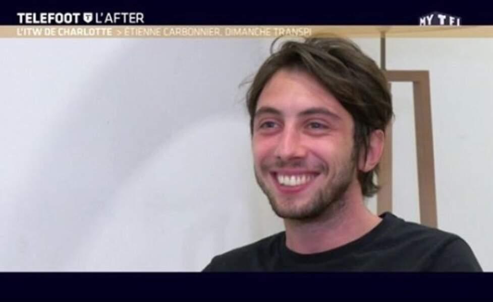 """Le journaliste fait aussi preuve d'auto-dérision. """"Ça a été enregistré mardi mais j'ai bien la tête du mec qui s'est pas loupé samedi soir"""", écrivait-il en légende de cette capture de l'émission de TF1 pour laquelle il avait été interviewé en juin 2017."""