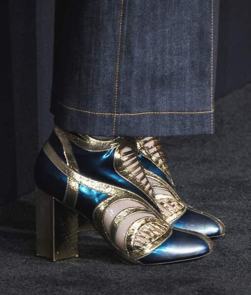 Le bleu et l'or de l'Egypte pour ces bottines ajourées portées en 2015 à Hollywood
