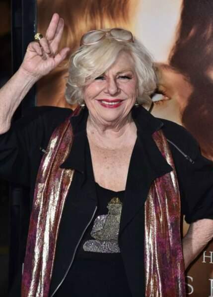 Née en 1933, elle a joué entre autres dans How I Met Your Mother et a retrouvé Fran dans Happily Divorced