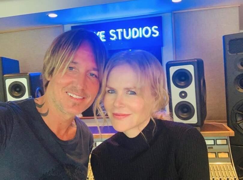 Du côté de Nicole Kidman, c'est retour en studio à domicile pour écouter son mari Keith Urban travailler.