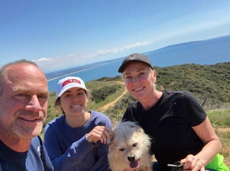 Même programme à Malibu pour Chris Meloni, sa femme Sherman, leur fille Sophia et leur chien Scotty...