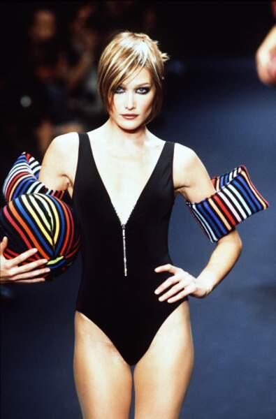 1996 Carla prête pour un petit plongeon chez Sonia Rykiel