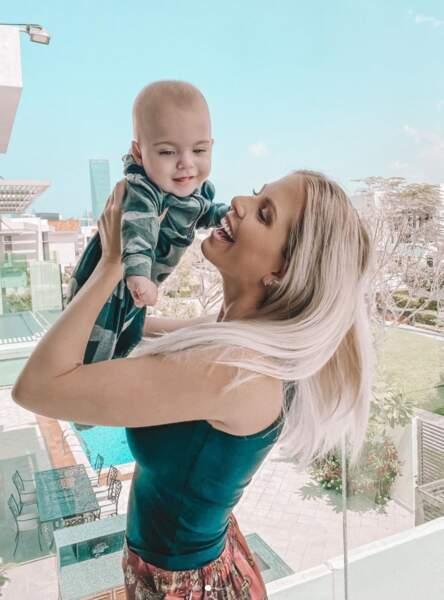 Jessica Thivenin passe le temps avec son fils et elle en est gaga !