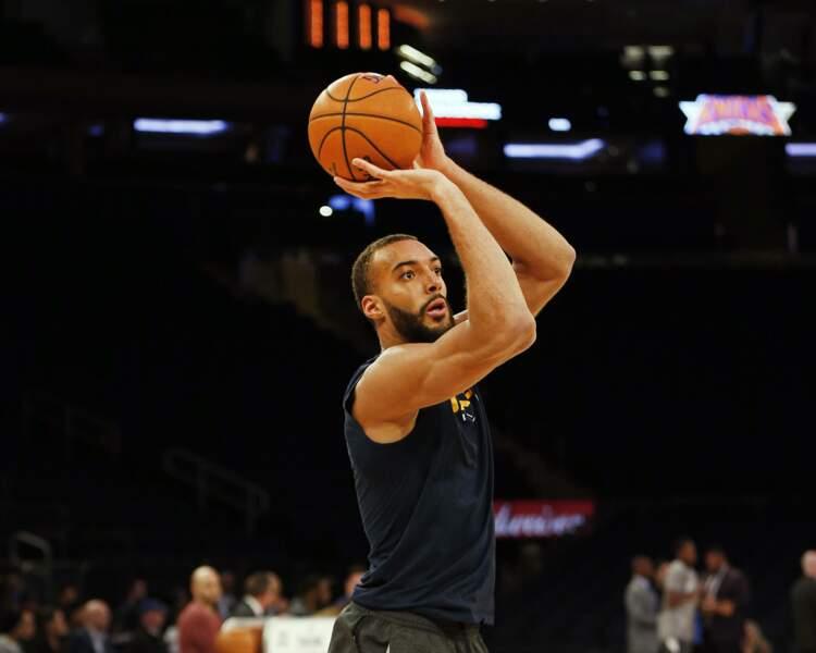 Le basketteur Rudy Gobert, très critiqué pour son attitude jugée irresponsable par les internautes, versera 500 000 dollars dont 100 000 euros pour le système de santé français