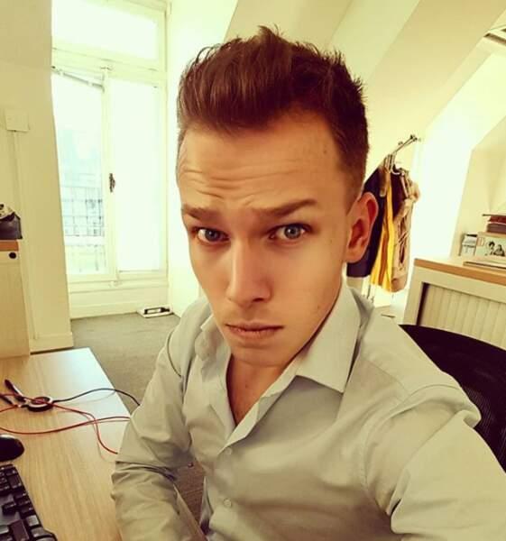 Damien Canivez décroche son diplôme de journalisme en 2016.