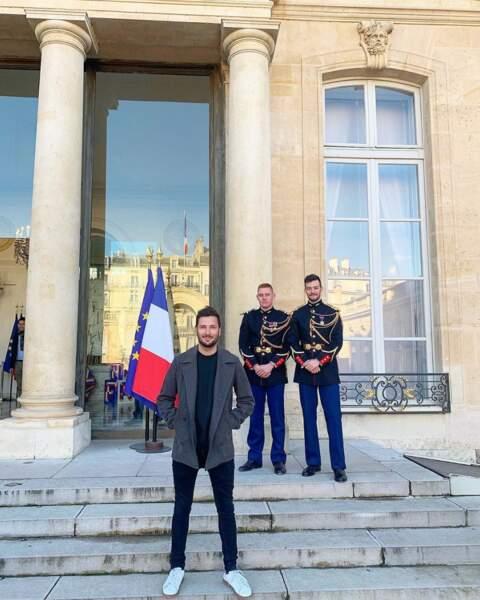 ... de ses visites exclusives (ici à l'Élysée pour la grande exposition du fabriqué en France)...