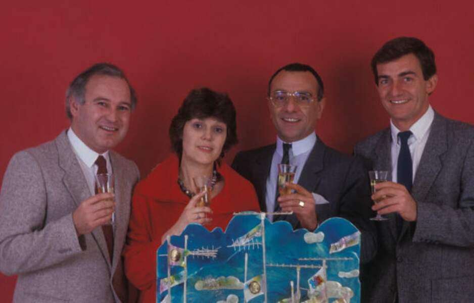 Il devient coprésentateur du JT de 13 heures dont le journaliste vedette est alors Yves Mourousi. Ici avec Marie-Laure Augry et Claude Pierrard (1984)