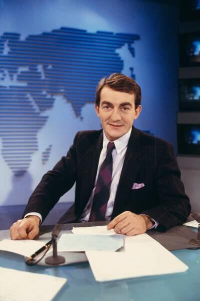 Le 22 février 1988 Jean-Pierre Pernaut remplace Yves Mourousi et Marie-Laure Augry au 13 heures de TF1