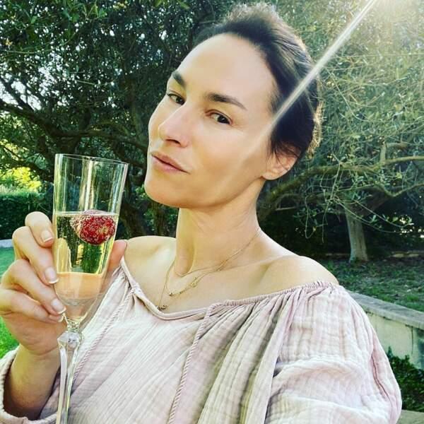 Santé ! Vanessa Demouy vous souhaite à tous une belle journée !
