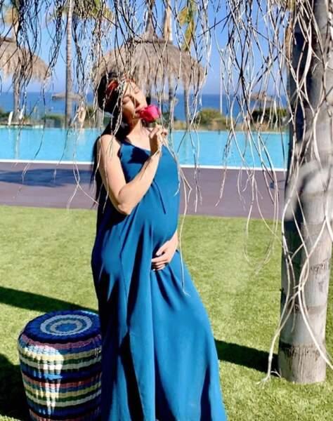 Et surprise ! La chanteuse Kenza Farah est enceinte de son premier enfant. Toutes nos félicitations !