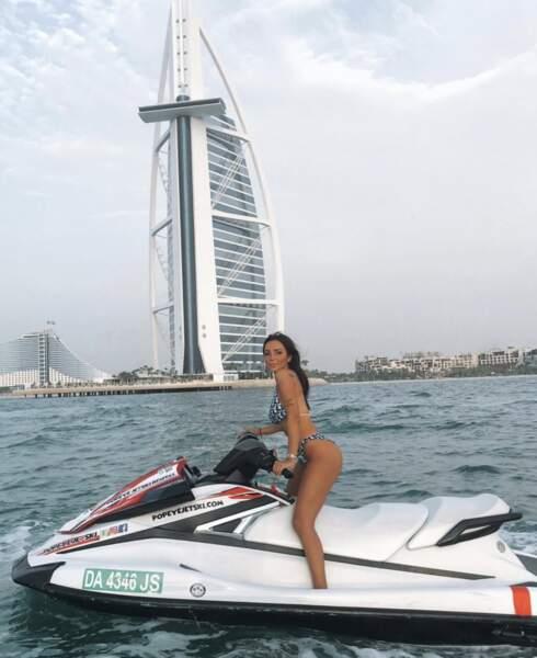 Fidji s'éclate à Dubaï en faisant du Jet ski
