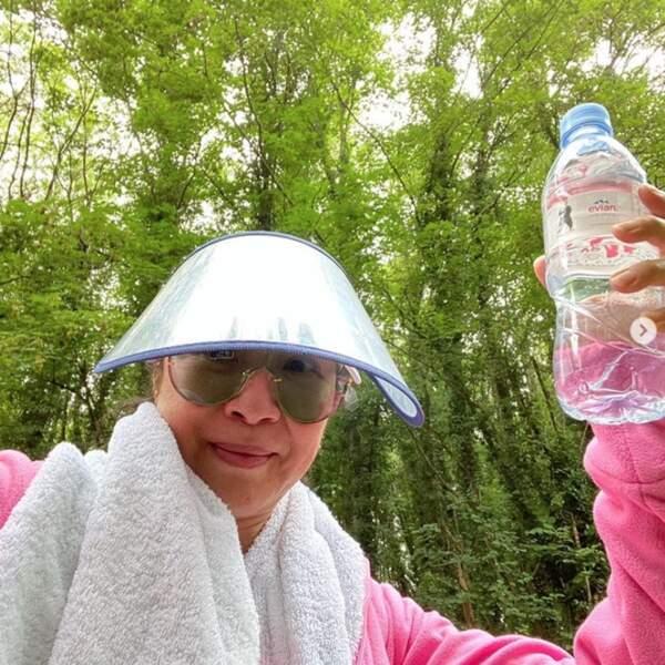 Un conseil avant de vous quitter : protégez-vous et hydratez-vous, comme Michelle Yeoh.