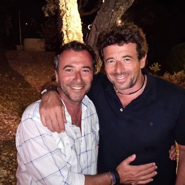 Patrick Bruel semble bien guéri du coronavirus et passait du bon temps à Saint-Tropez avec Bernard Montiel.
