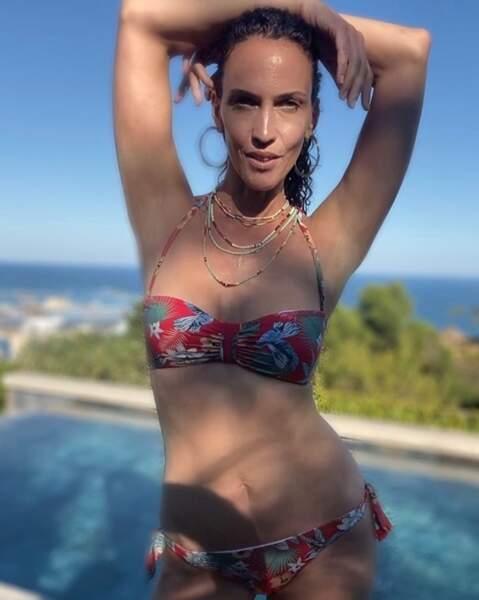 Linda Hardy en bikini...