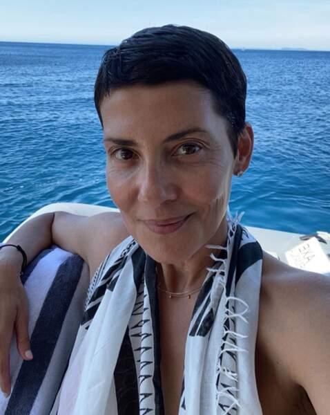 No make-up pour Cristina Cordula sur la mer Méditerranée.