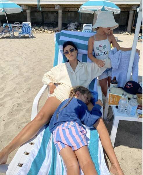 D'autres, comme Kourtney Kardashian, partent en famille