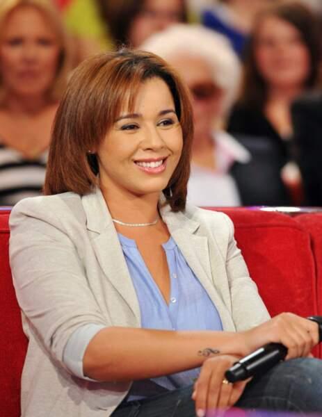 Avril 2010, elle a les honneurs du canapé rouge de Michel Drucker, dans Vivement dimanche.