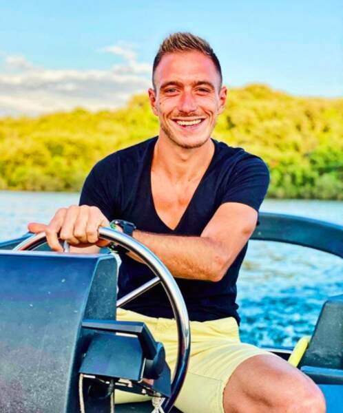 Tout sourire en bateau