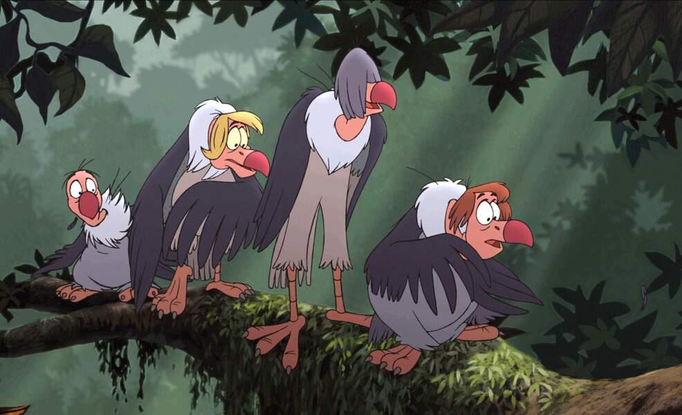 Plus anecdotique, ces quatre vautours dans les arbres ne vous rappellent rien ?