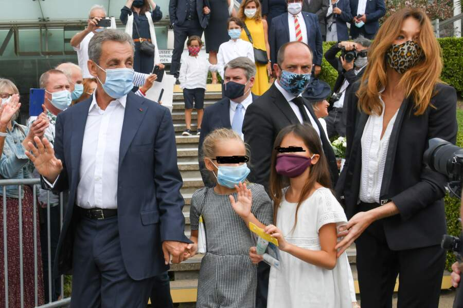Les Bruni-Sarkozy, stars du mariage