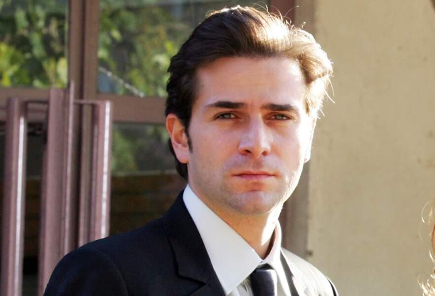 Le beau Grégory Fitoussi, alias Pierre Clément, a fait fondre pas mal de coeurs dans la série...