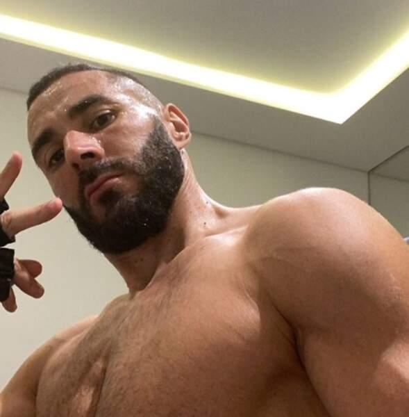 On espère que vous avez moins chaud que Karim Benzema.