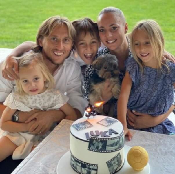 Tout aussi mignon : la petite famille de Luka Modric.