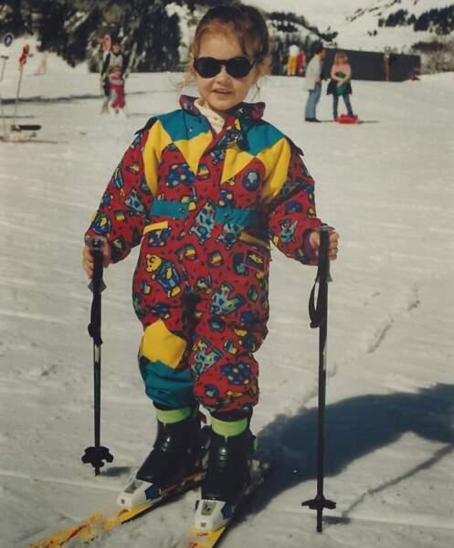 Camille Lou à l'âge de 3 ans, déjà sur les pistes.