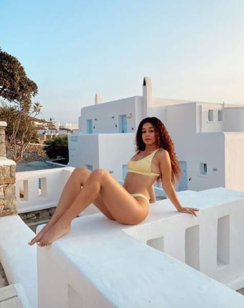 Trois naïades en bikini : la youtubeuse Lena Situations...