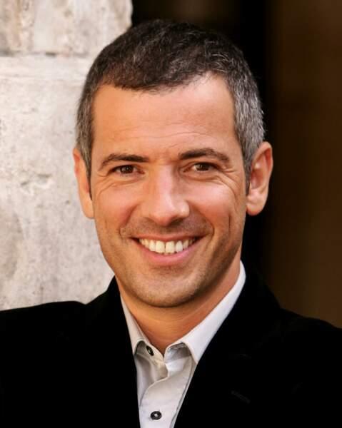 Bruno Putzulu (Guillaume) : il est le mari de Clotilde et également le proviseur adjoint de l'Institut.
