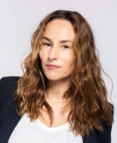 Vanessa Demouy (Rose Latour) : en couple avec Antoine, elle a accepté l'offre de son père et devient la responsable de la maison d'édition de l'institut. Elle réussit facilement à créer des liens avec les étudiants.