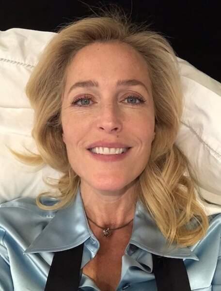On espère que vous avez autant le smile que Gillian Anderson.
