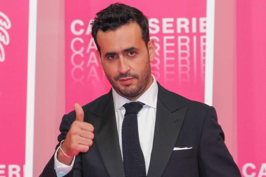 Jonathan Cohen, très élégant pour l'ouverture du festival Canneseries 2020