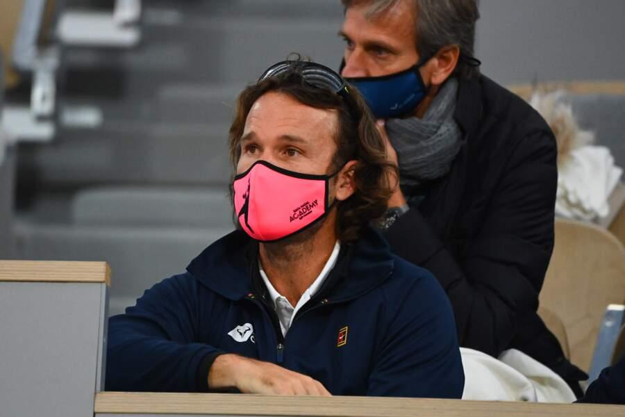 Carlos Moya, qui fut victorieux à Roland-Garros en 1998, est devenu l'entraineur de Nadal.