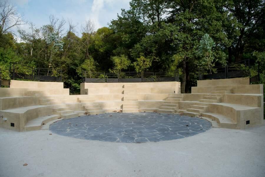 Voici l'amphithéâtre où ils se tiennent, qui a d'ailleurs été construit pour la série
