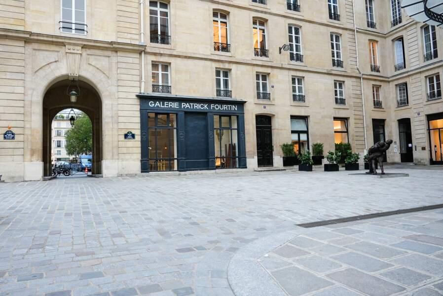 La place de Valois, où Emily arrive au bureau tous les matins
