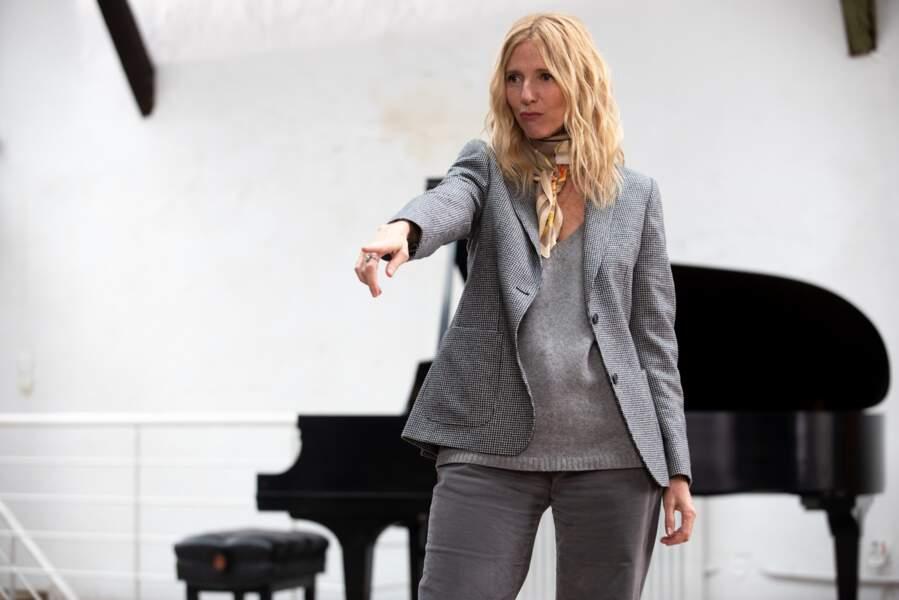 Non, Sandrine Kiberlain ne se met pas à la danse mais au stand up...