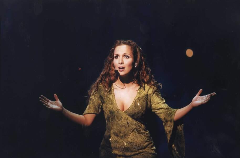 Hélène Ségara, inoubliable Esmeralda pour la comédie musicale.